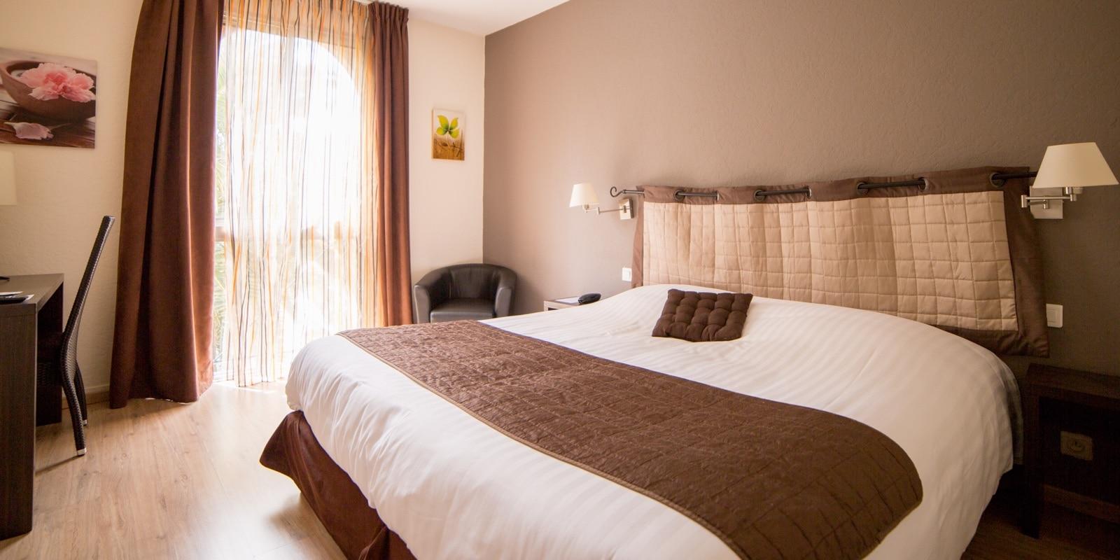 chambre supérieure hotel *** Le Clos de l'Aube Rouge Montpellier