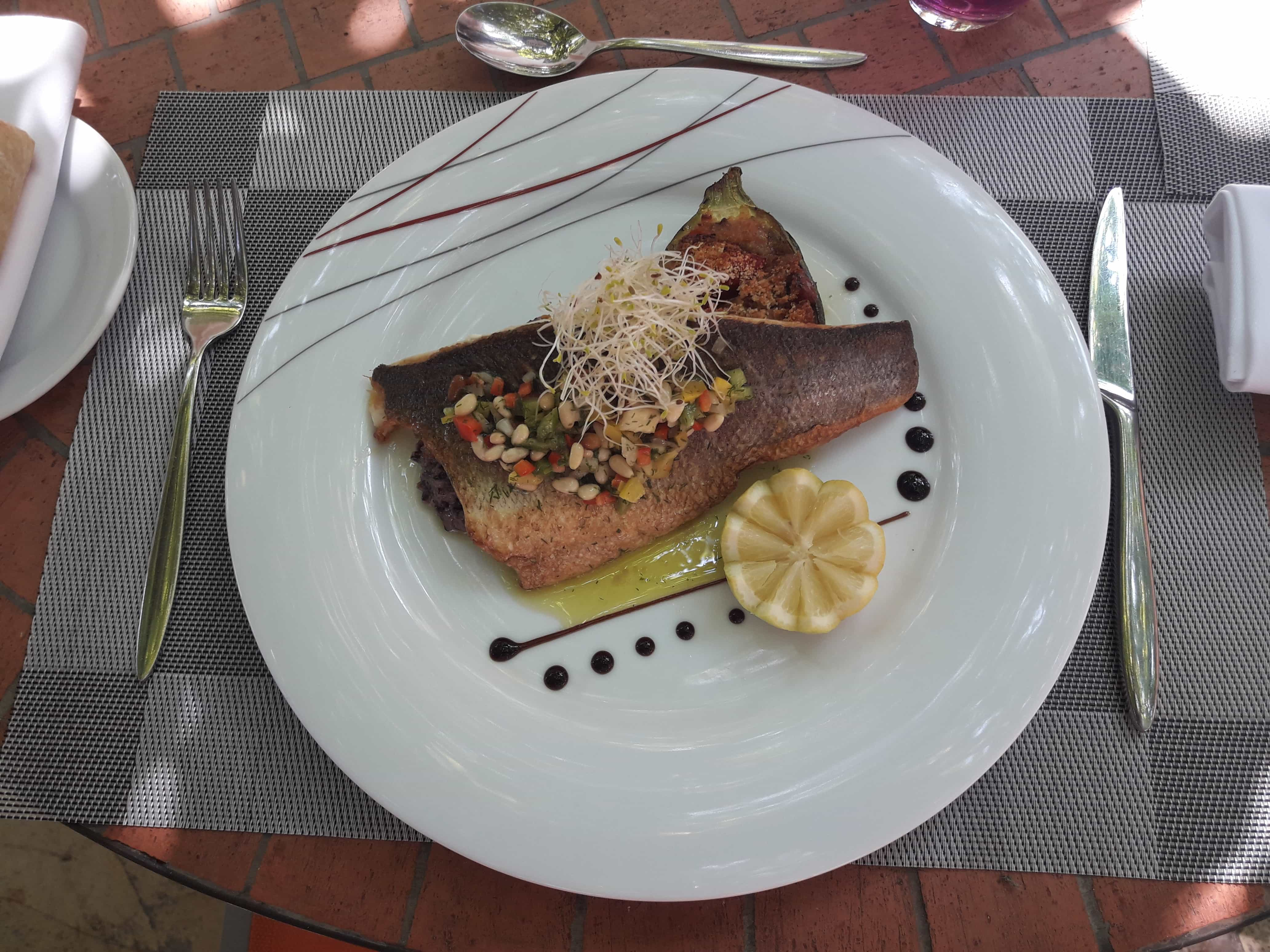 Filet de Bar grillé, sauce vierge